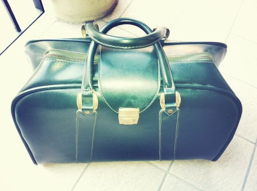 Vintage green travel bag 2