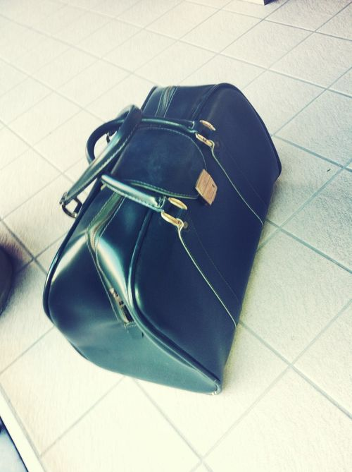 Vintage green travel bag 1